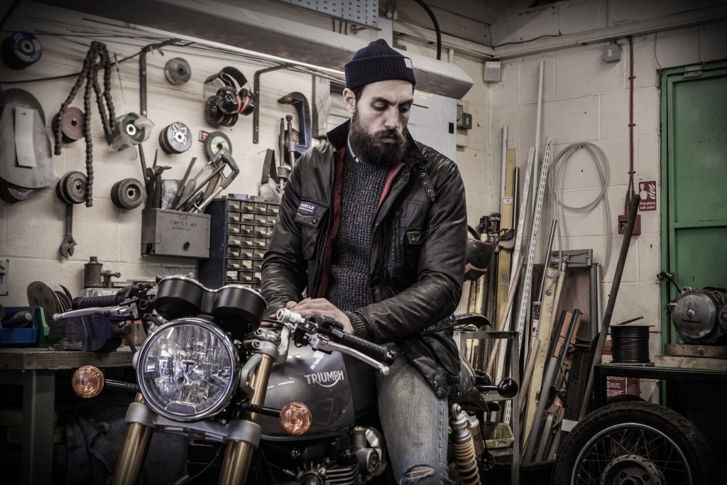 triumph-legend-jacket-mwx0940br71-hickory-transmissioncrew-mkn0935ch91-charcoal